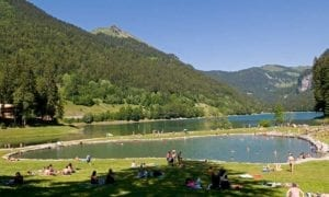 transport-to-lake-montriond